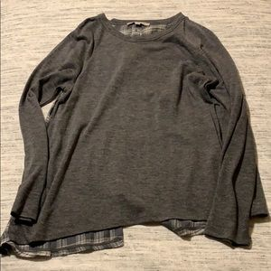 Long sleeved grey and plaid loft shirt
